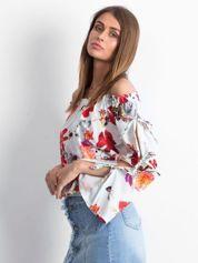 Biała bluzka hiszpanka w kolorowe kwiaty