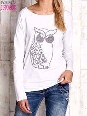 Biała bluzka z aplikacją w kształcie sowy