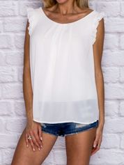 Biała bluzka z szydełkową wstawką z tyłu