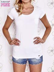 Biały t-shirt z kieszonką i koronkowym tyłem