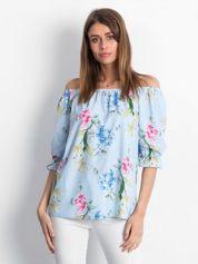 Bluzka jasnoniebieska z hiszpańskim dekoltem w kwiaty
