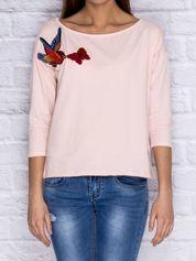 Bluzka z naszywką ptaka i motyla brzoskwiniowa
