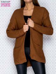 Camelowy dziergany sweter