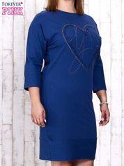 Ciemnoniebieska sukienka dresowa z sercem z dżetów PLUS SIZE
