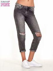 Ciemnoszare spodnie girlfriend jeans z rozcięciami na kolanach