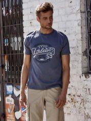 Ciemnoszary t-shirt męski z napisem BROOKLYN ATHLETIC UNIVERSITY