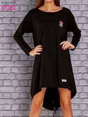 Czarna asymetryczna sukienka z naszywką i troczkami