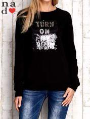 Czarna bluza z podwójną naszywką z cekinów