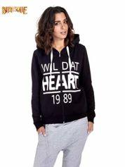 Czarna damska bluza z kapturem i napisem WILD AT HEART 1989