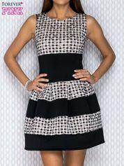 Czarna-ecru sukienka z graficznymi motywami i brokatowymi groszkami