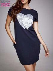 Czarna sukienka dresowa z aplikacją serca