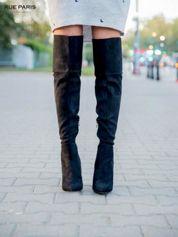 Czarne zamszowe kozaki na szpilkach za kolano