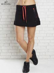 Czarno-czerwona spódnica dresowa z falbanką i troczkiem