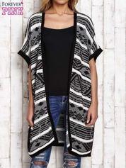 Czarny-ecru dziergany sweter