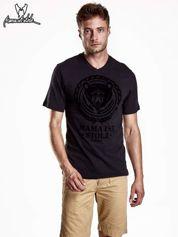 Czarny t-shirt męski z napisem MAMA IST