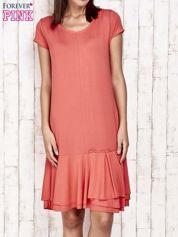 Czerwona sukienka dresowa z ozdobną falbaną