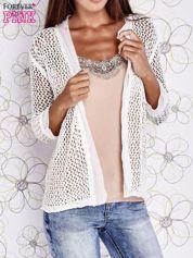 Ecru ażurowy sweter z tiulowym wykończeniem rękawów