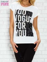 Ecru t-shirt z napisem TOO VOGUE FOR YOU z dżetami