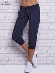 Grafitowe spodnie capri z tylną kieszenią