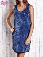 Granatowa denimowa sukienka z motywem panterki