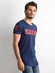Granatowa koszulka męska z napisem