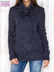 Granatowy melanżowy sweter z golfem
