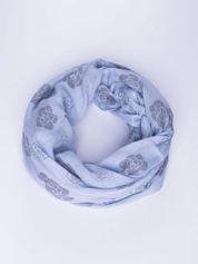 Niebieski lekki szal w kwiatki