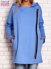 Niebieski płaszcz dresowy z asymetrycznym suwakiem