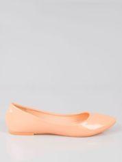 Pastelowopomarańczowe lakierowane balerinki