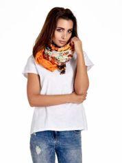 Pomarańczowa chusta w patchworkowe wzory