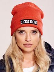 Forever Pink Pomarańczowa wywijana czapka z napisem LONDON