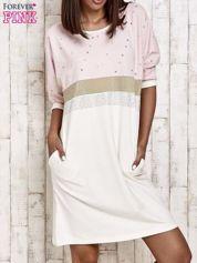 Różowa sukienka dresowa z kryształkami i dżetami