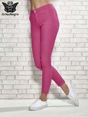 Różowe spodnie rurki skinny