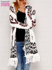 Sweter w etniczne wzory ecru