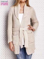Sweter z wiązaniem beżowy