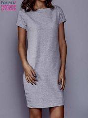 Szara sukienka dresowa o prostym kroju