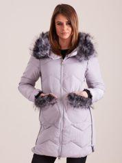 Szara zimowa kurtka z futrzanym wykończeniem