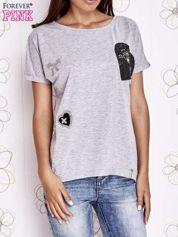 Szary t-shirt z motywem serca i kokardki