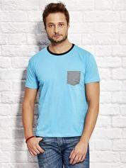T-shirt męski z kieszonką w kratę jasnoniebieski