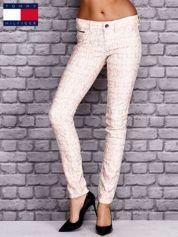 TOMMY HILFIGER Brzoskwiniowe spodnie we wzory