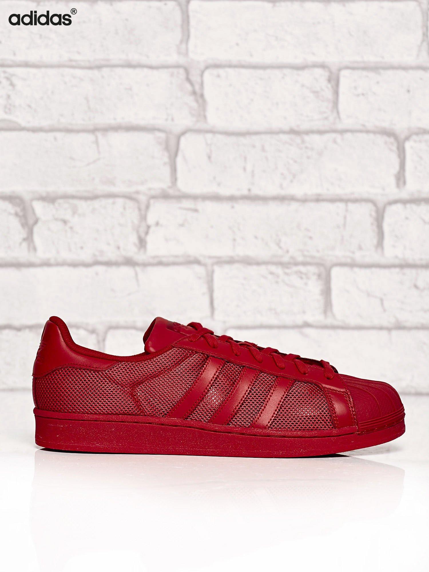 ADIDAS czerwone buty m?skie Superstar Collegiate Red o dziurkowej fakturze