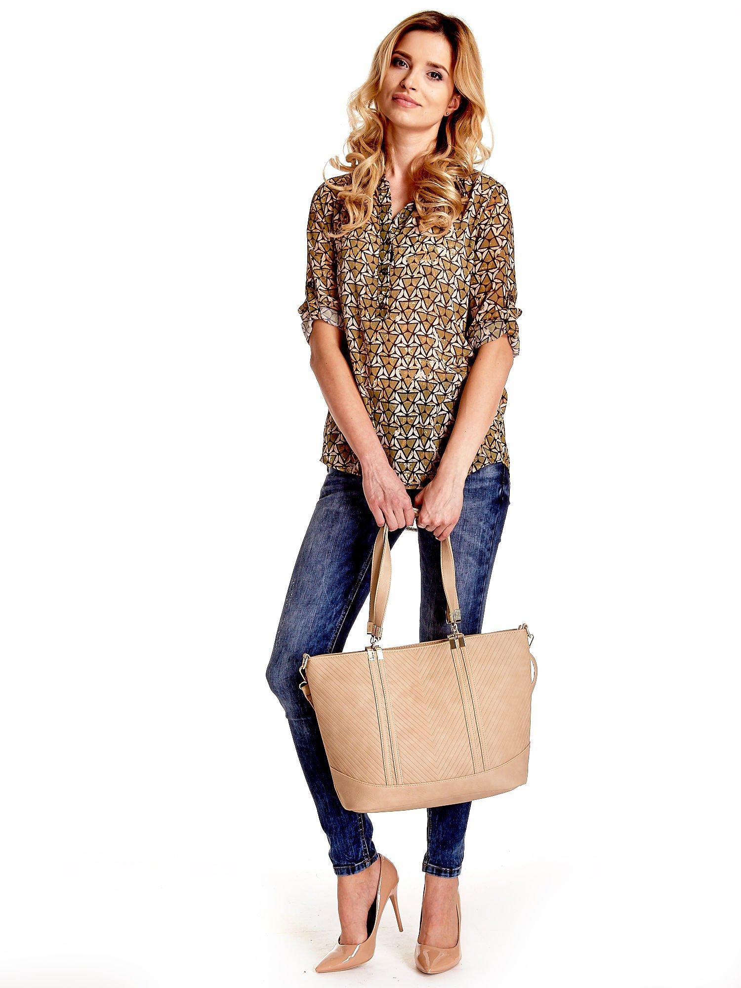 Beżowa fakturowana torebka damska ze złotymi okuciami                                  zdj.                                  3