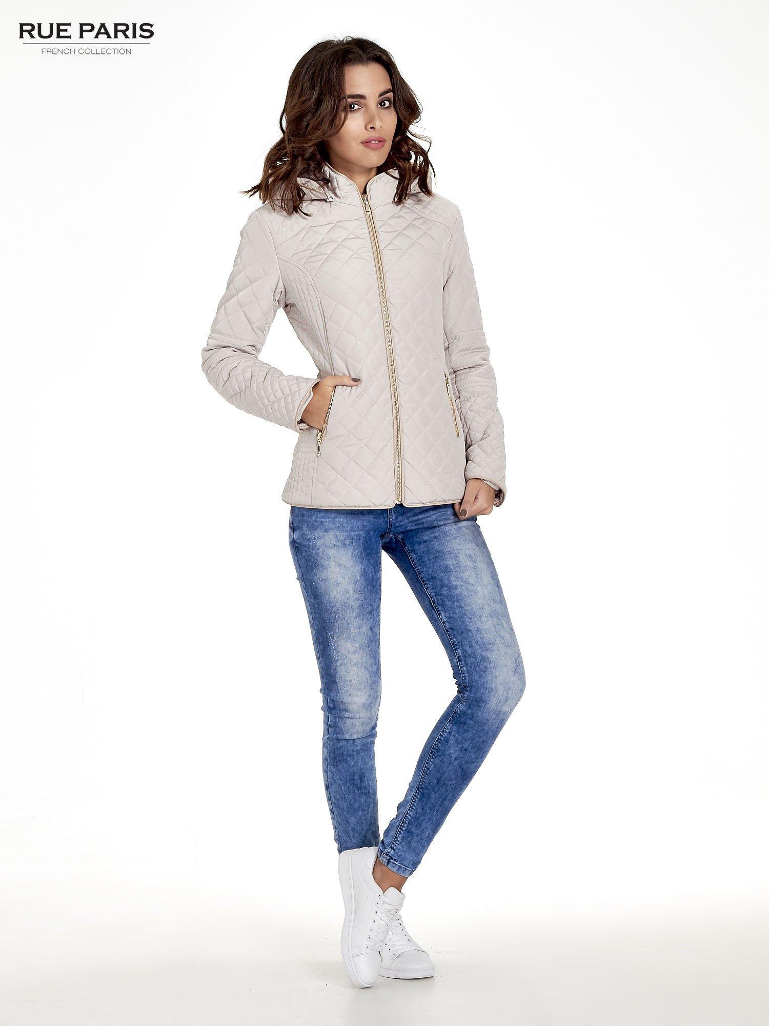 Beżowa pikowana kurtka z kapturem w stylu husky                                  zdj.                                  6