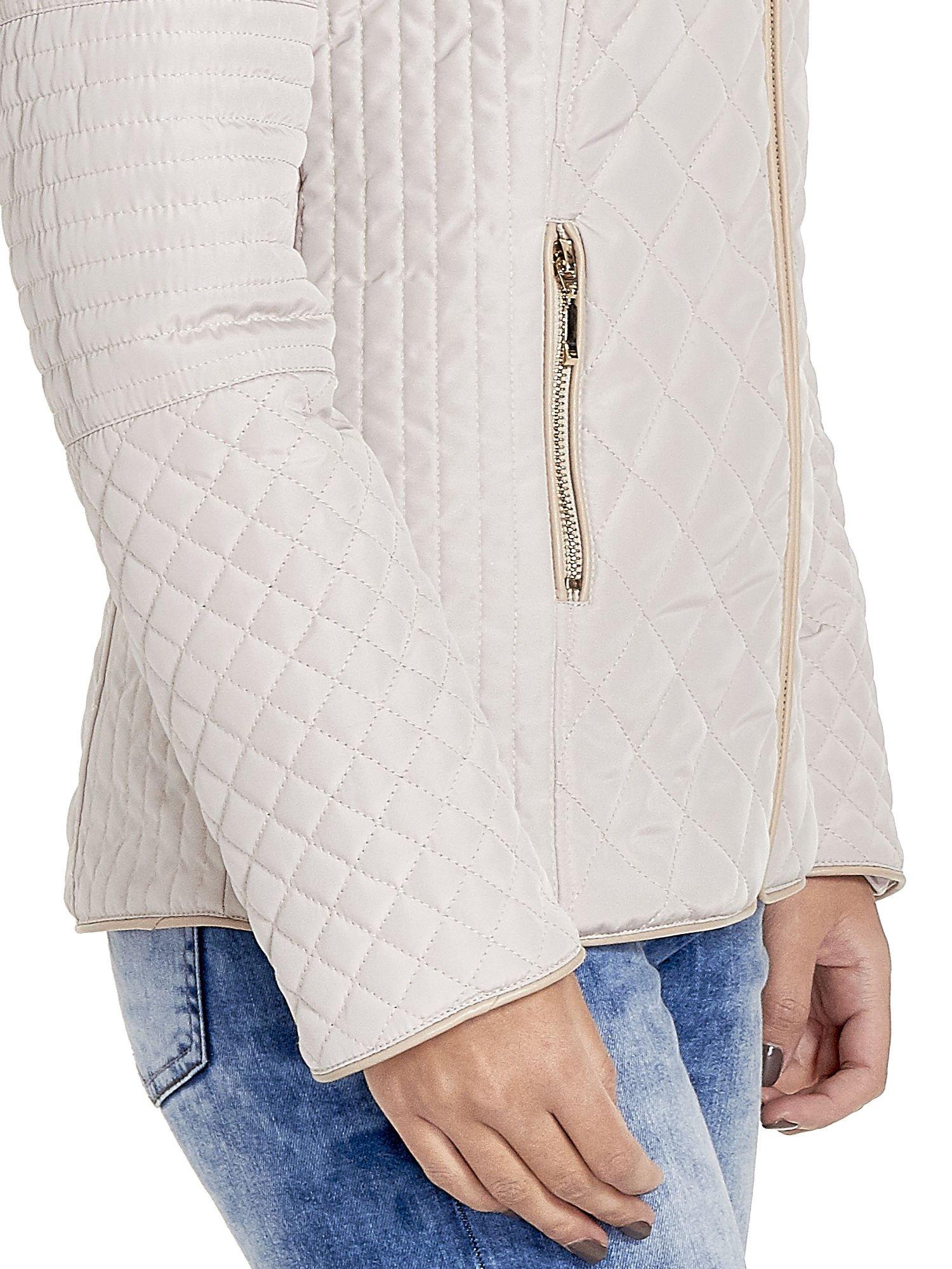 Beżowa pikowana kurtka z kapturem w stylu husky                                  zdj.                                  8