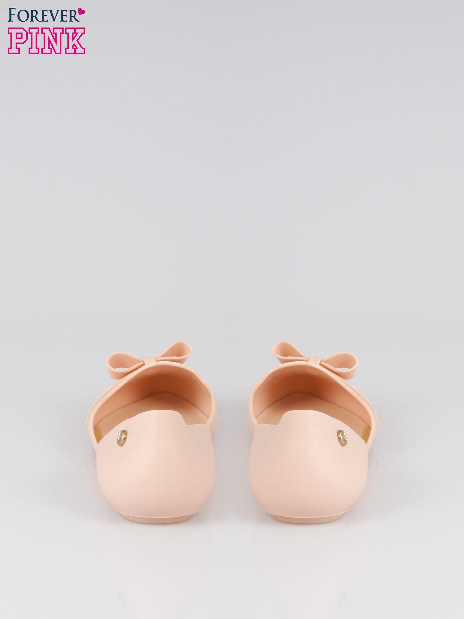 Beżowe gumowe balerinki z kokardką                                  zdj.                                  3