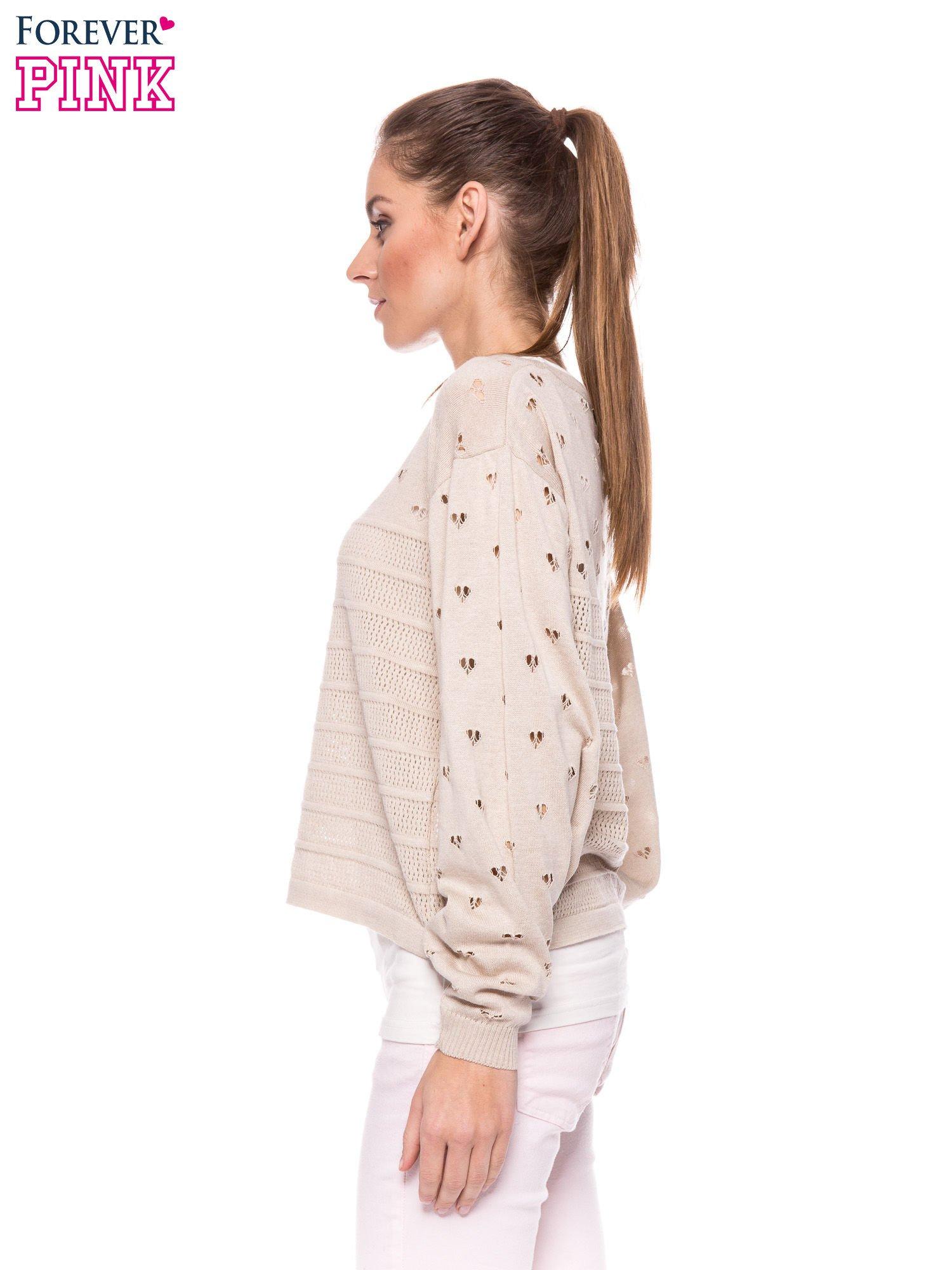 Beżowy ażurowy sweter w serduszka                                  zdj.                                  3