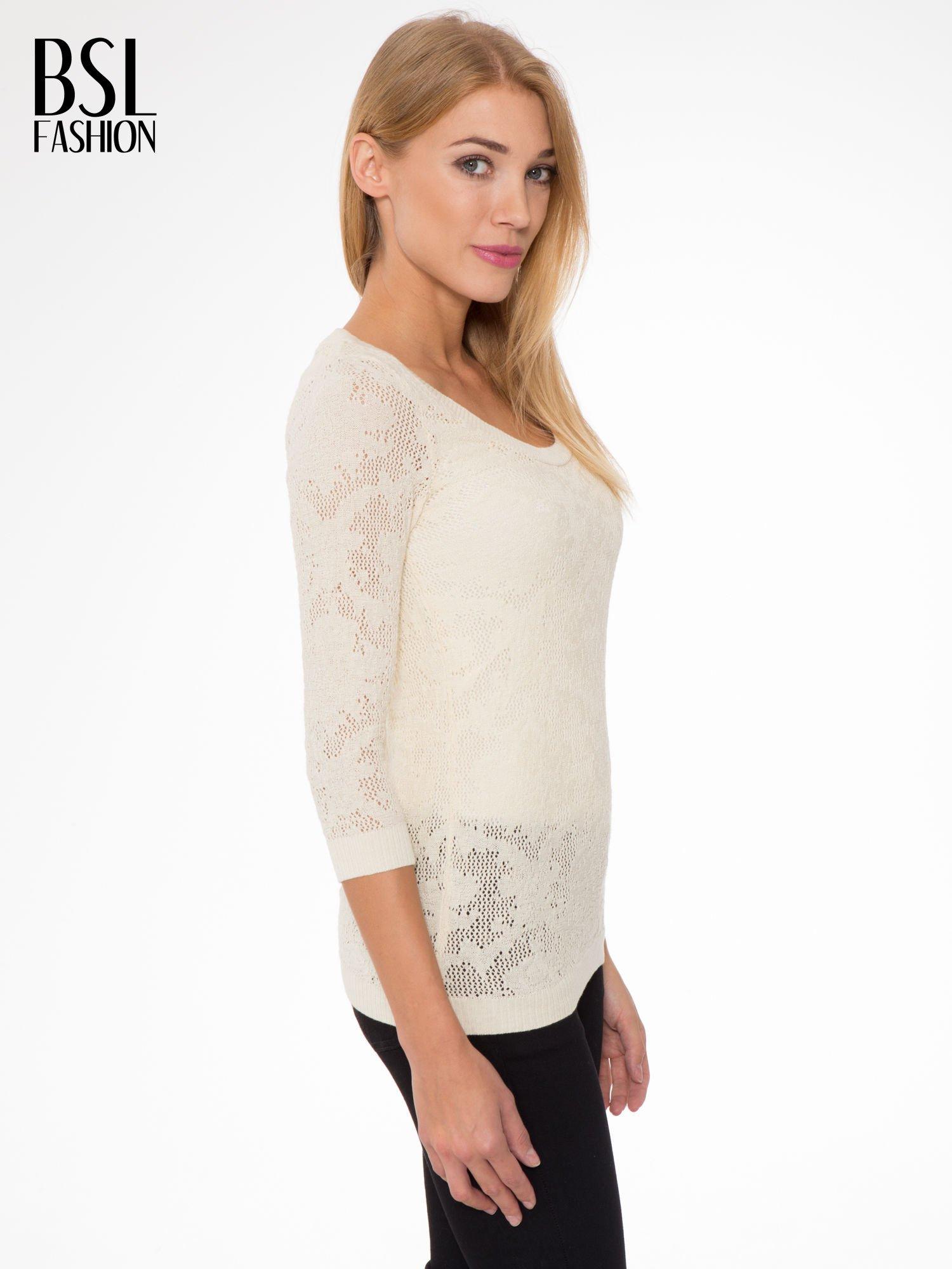 Beżowy ażurowy sweter z rękawami 3/4                                  zdj.                                  3