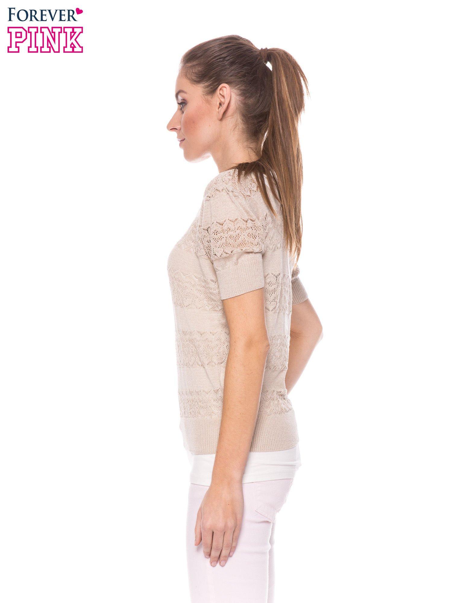 Beżowy ażurowy sweterek w stylu retro                                  zdj.                                  3