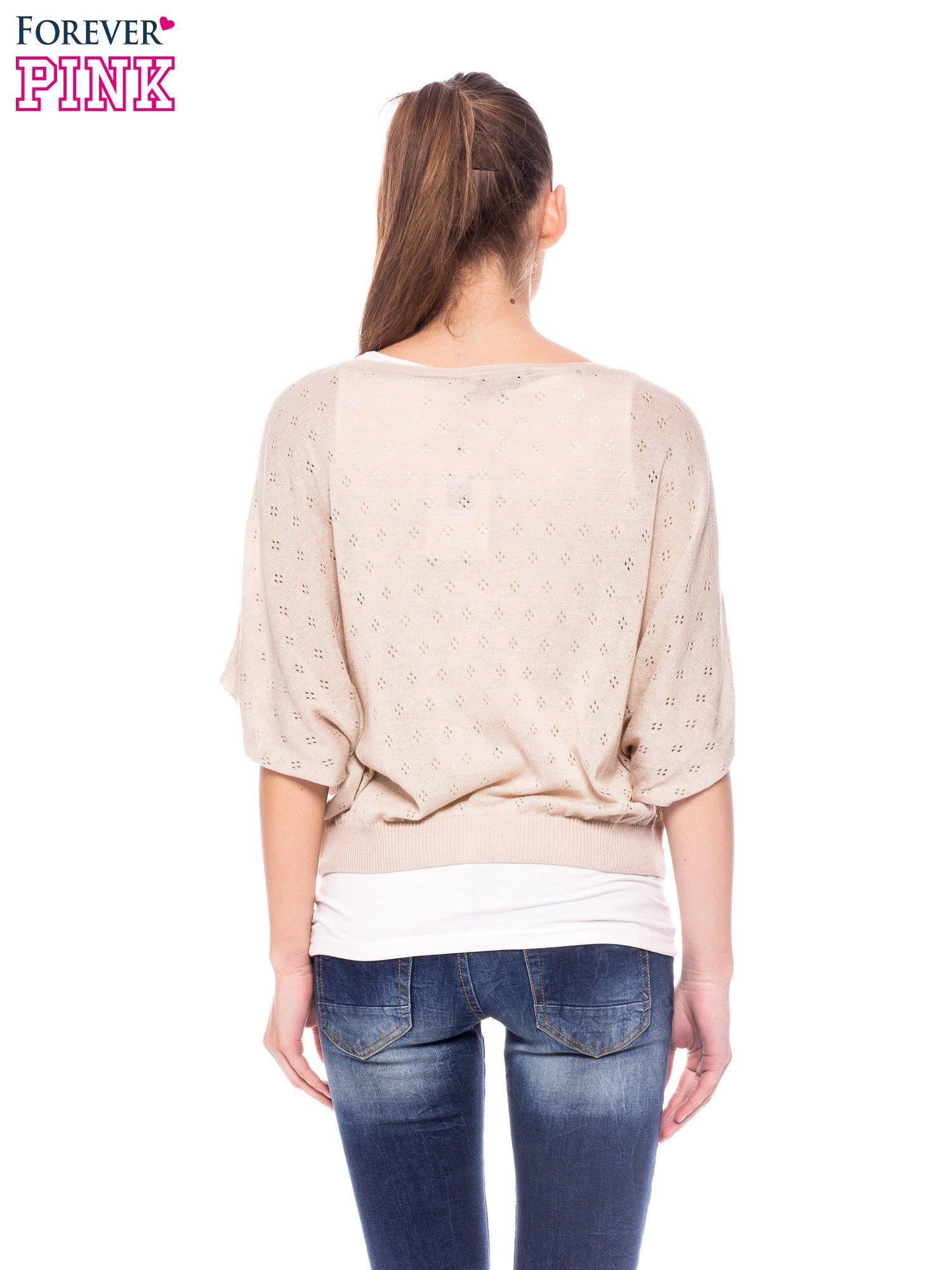 Beżowy ażurowy sweterek z krótkim rękawem                                  zdj.                                  3