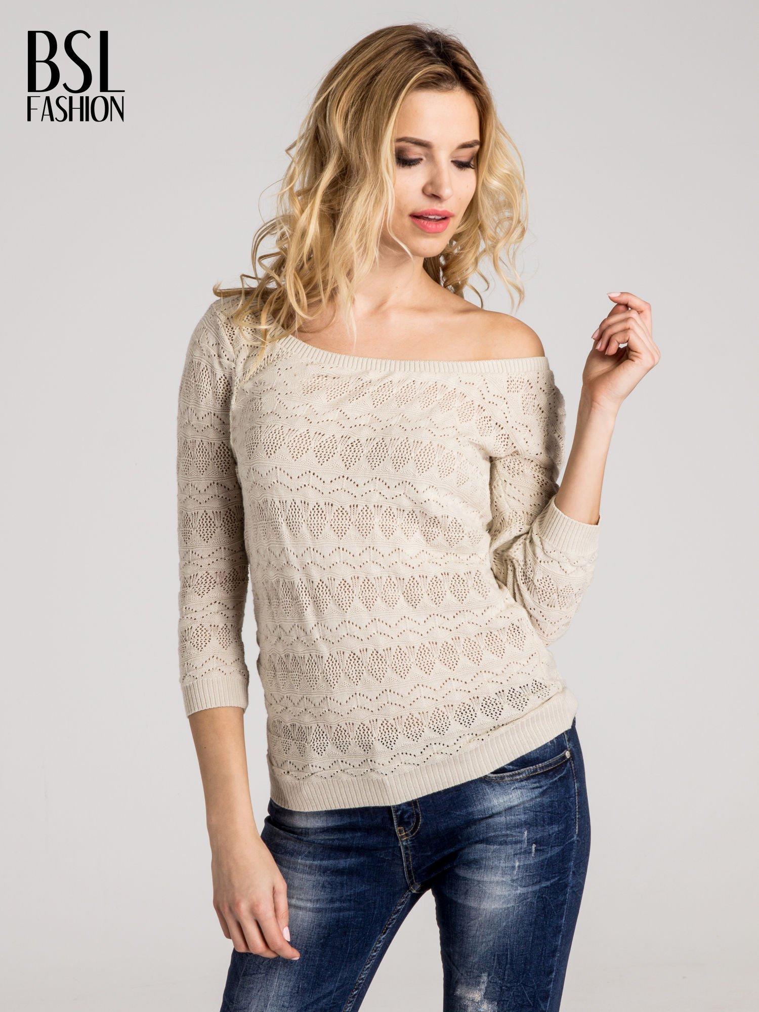 Beżowy ażurowy sweterek z rękawami 3/4                                  zdj.                                  1